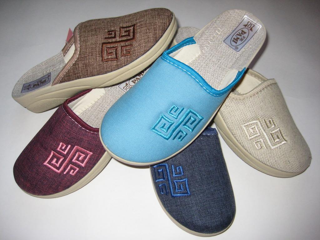 153 Обувь домашняя (без выбора цвета)